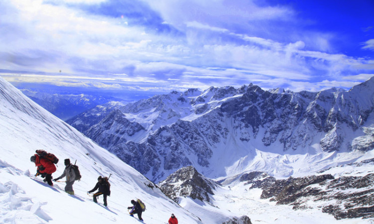 More Than 130 Complain Of Altitude Sickness, Five Evacuated